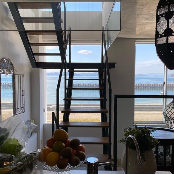 海が見えるキッチン