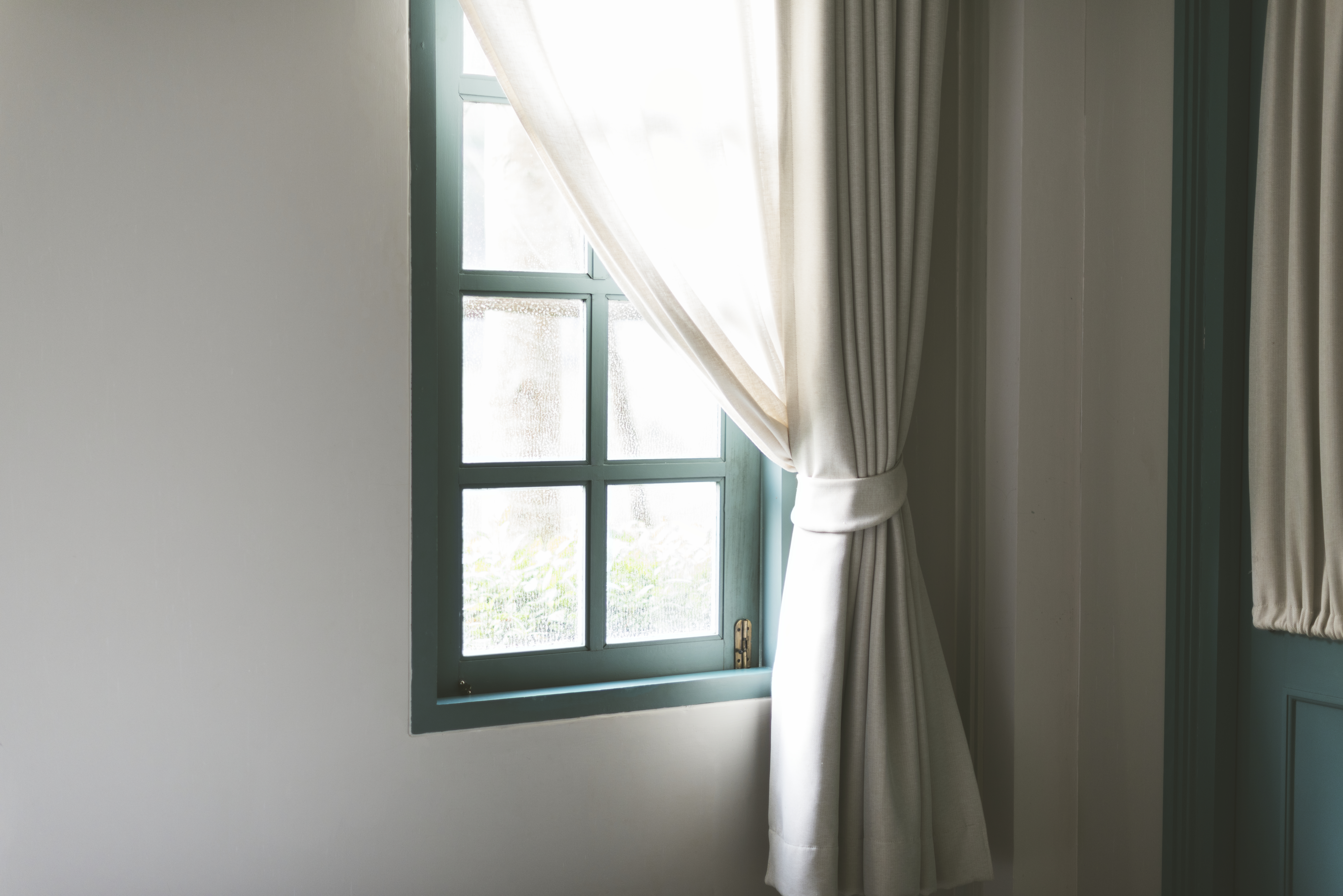 simple-window-with-white-curtain.jpg