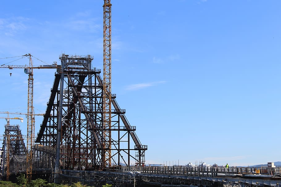 hercilio-luz-bridge-civil-engineering-bridge-workers.jpg