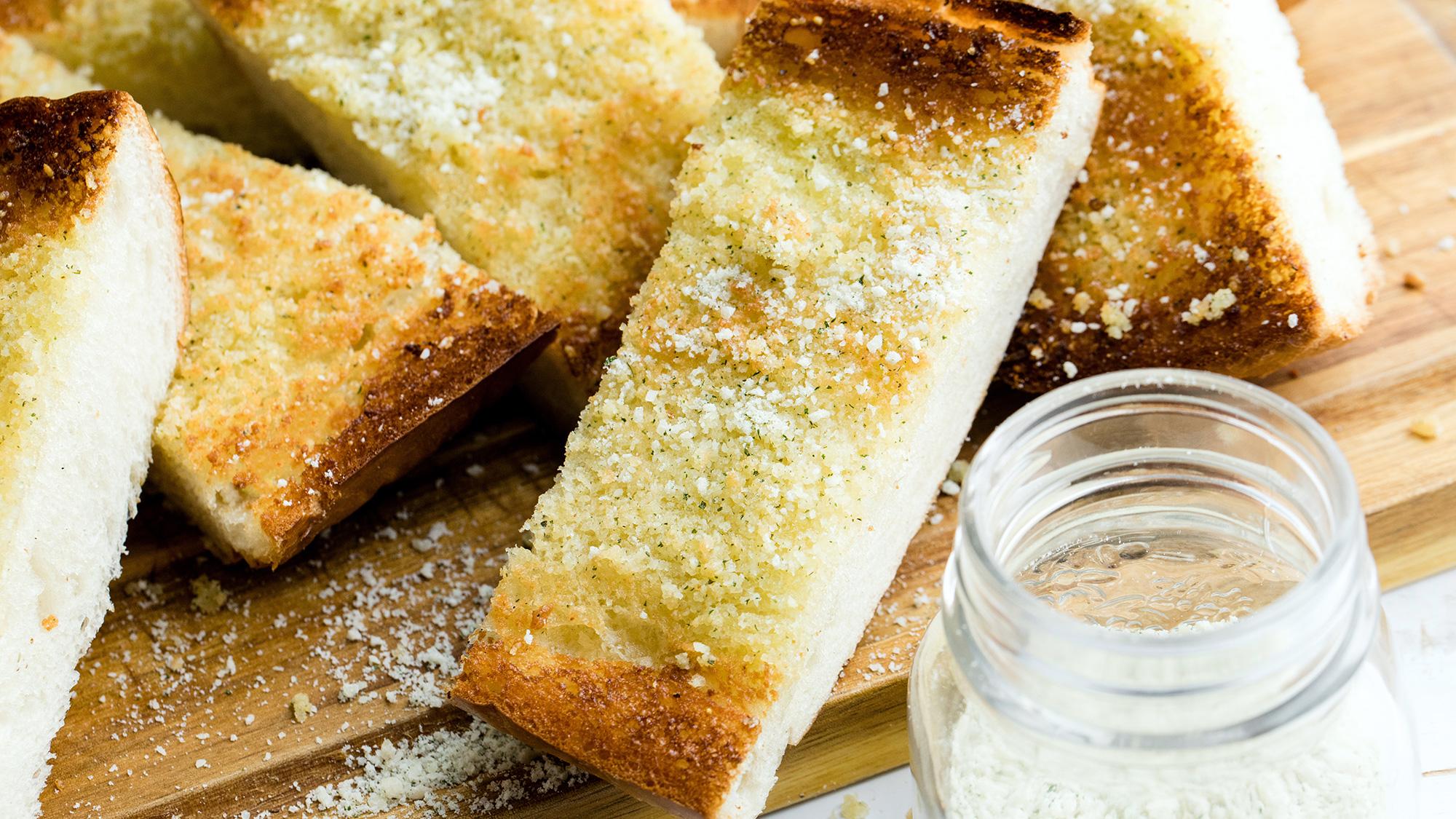 Garlic-Bread-Sprinkle-2000x1125.jpg