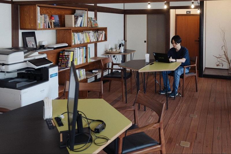 aside 満寿屋:コワーキングスペース