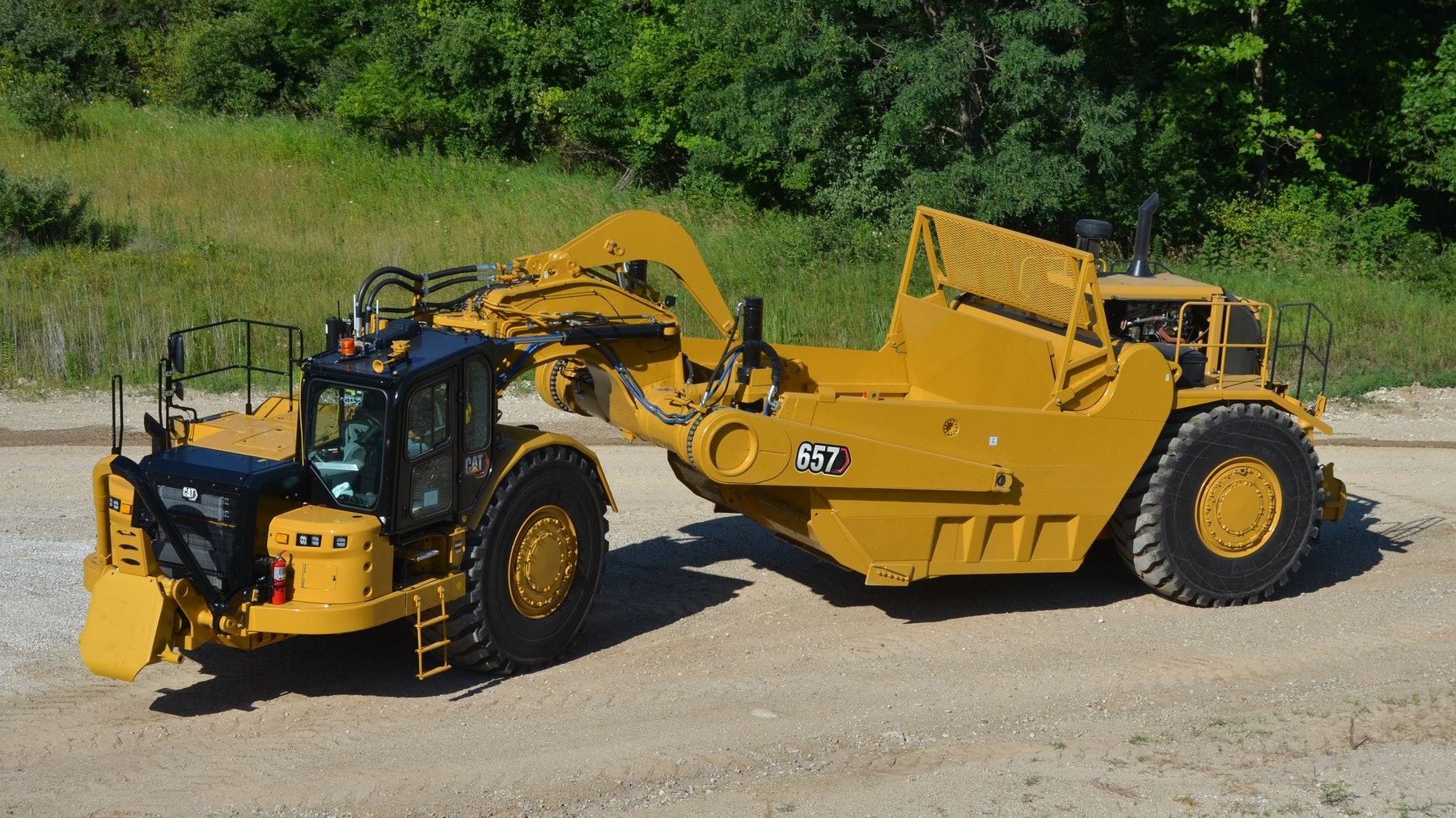 Cat_657_Wheel_Tractor_Scraper____photo_from_high_perspective.5fc918c8934d7.5fc93830c192a.5fc939305b1c1.5fc9393894c96.jpg