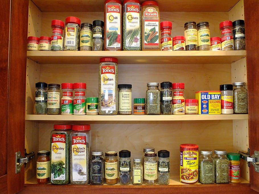 cabinet-spices-orderly-organize.jpg