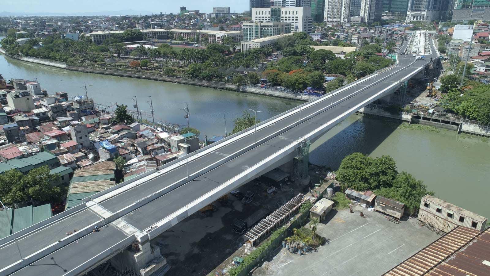 BGC-ORTIGAS BRIDGE.jpg