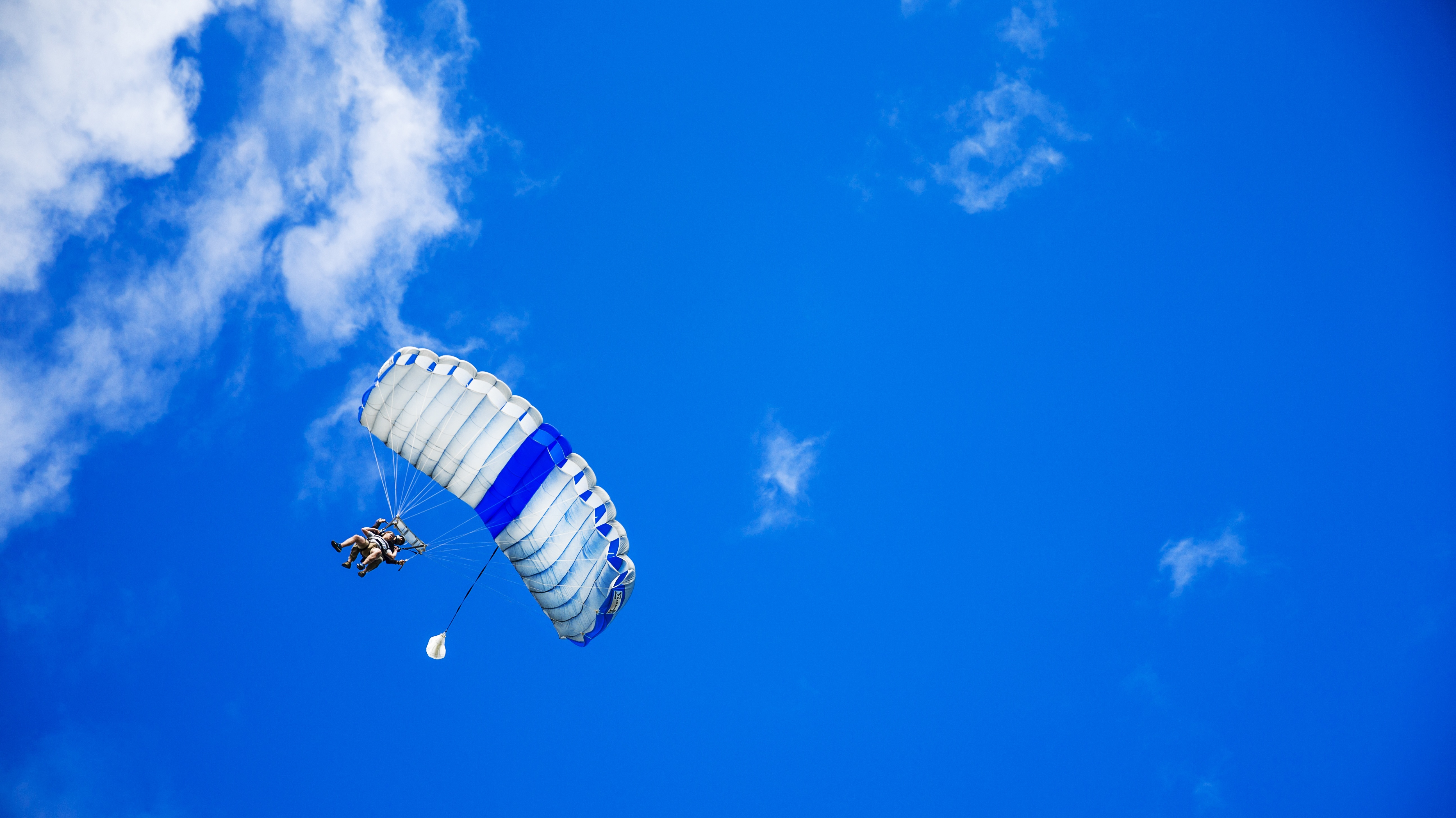 Skydiving is the perfect 50th birthday gift idea for men