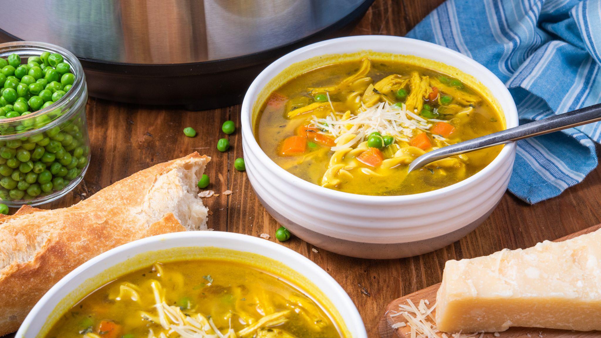 instant_pot_tumeric_chicken_noodle_soup8306.jpg