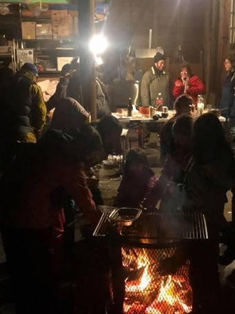 地元ファミリーの寒中焚き火バーベキュー