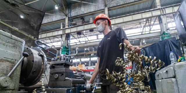 The Economy Is Going Well Now, But Questions About The Longer Run Remain