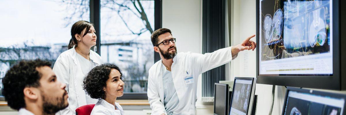 Doctors viewing an patient scan image