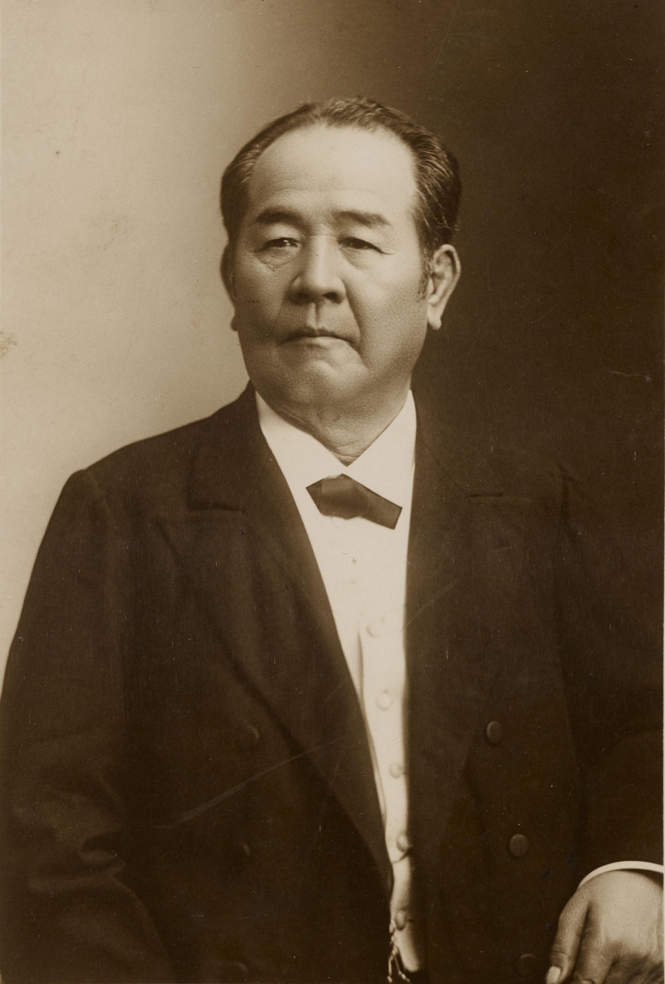 渋沢栄一肖像(伝記資料別10_357).jpg