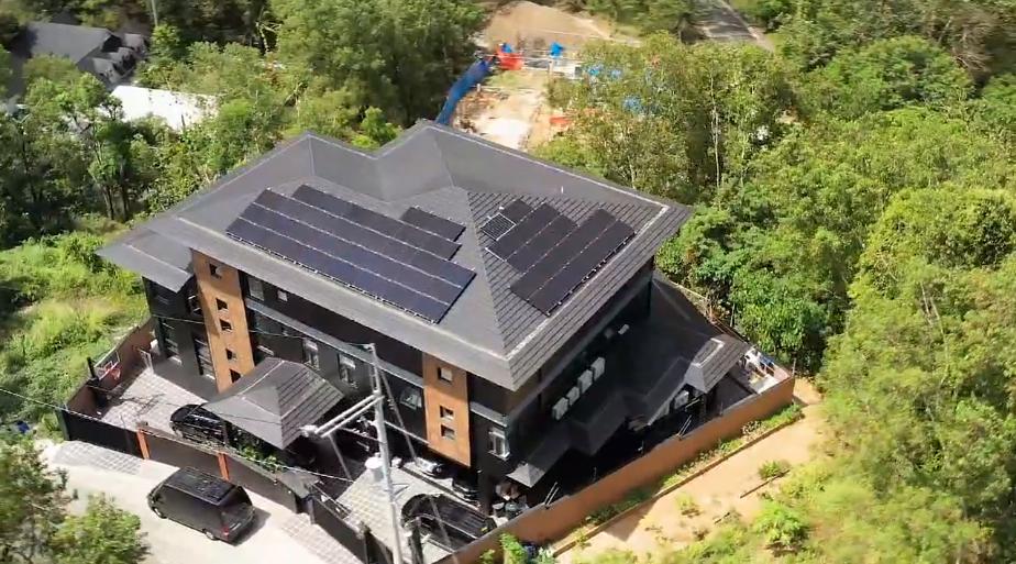 Team Kramer slashes their P79K Meralco bill to P29K through solar panels.PNG